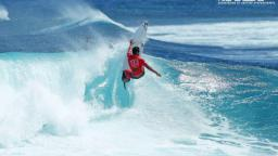 Medi Veminardi in quality surf at Trois Bassins