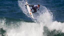 Dane Reynolds gets plemty of air at the Rip Curl Pro 2010