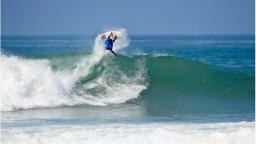 Jadson Andre surfs well at Lower Trestles