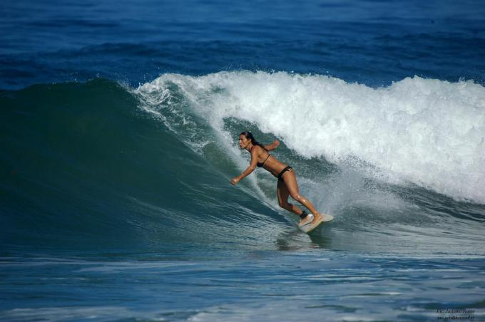 Surfer costa rica