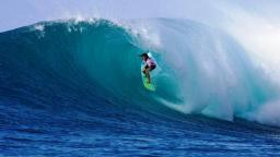 Silvana Lima dominant on the opening day of the Billabong Pro Maui