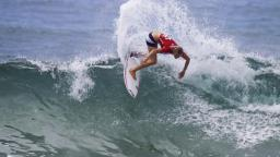 Bianca Buitendag wins the Billabong WJC Narrabeen