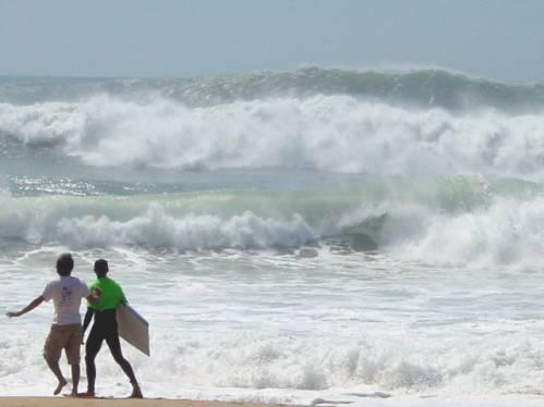 Nazare Beach Portugal Surfing Pictures - Portugal map nazare