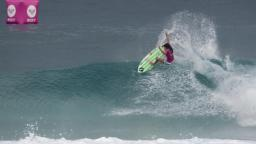 Silvana Lima at Snapper Rocks