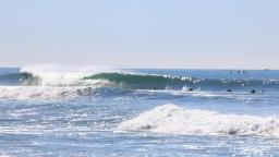 Surfing at Oceanside Pier in San Diego County : Surf Spot