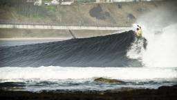 Christophe Allary on a serious Thurso Wave