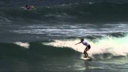 Final Heat Carissa Vs. Stephanie - 2011 Roxy Pro France