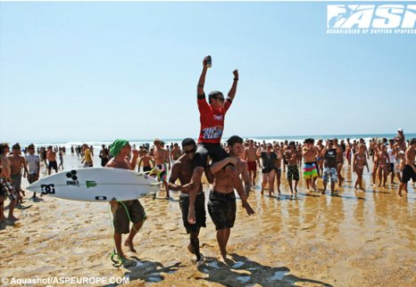 Marc Lacomare Celebrates Rip Curl Pro Junior Seignosse France Win